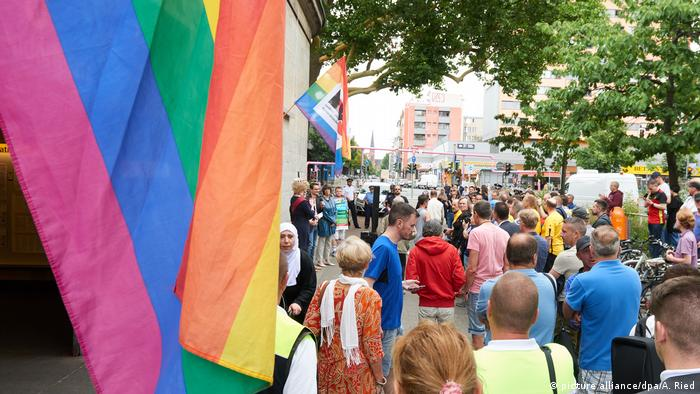 Beginn der Pride Weeks in Berlin (picture alliance/dpa/A. Ried)
