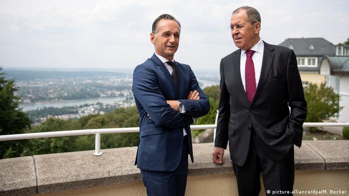 Petersburger Dialog | Heiko Maas trifft Sergej Lawrow (picture-alliance/dpa/M. Becker)