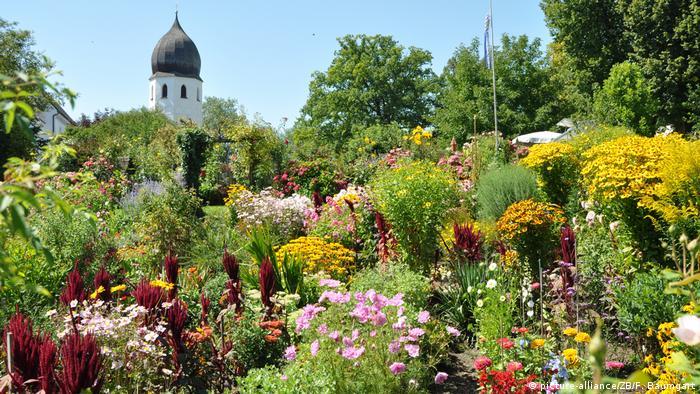 Монастырский сад на острове Фрауенкимзе