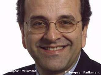 Antonis SAMARAS, Griechischer Abgeordneter Europa Parlament Beschreibung: 11320-0704-SAMARAS Antonis_.jpg Sir, Madam, Please find attached the photo(s) you requested. These photos are copyright free, but must be credited Photo European Parliament. Please acknowledge receipt by reply. We thank you to send us a copy of your publication. Thank you. Best regards Catherine Juckler Responsible of the service photo of the EP Rue Wiertz - PHS 0 A 77 B-1047 Bruxelles Tel: +32 2 284 28 96