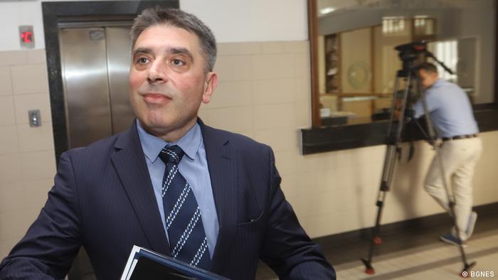 Адвокати настояват за оставката на Данаил Кирилов