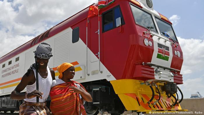 Kenia Zugverbindung Standard Gauge Railway SGR zwischen Mombasa und Nairobi