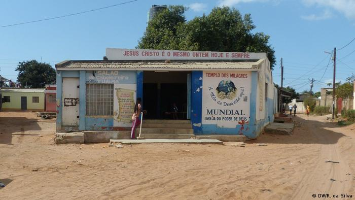 Igreja na periferia de Maputo, a capital de Moçambique