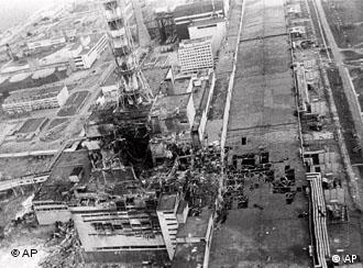 رآکتور شماره چهار نیروگاه چرنوبیل پس از انفجار سال ۱۹۸۶