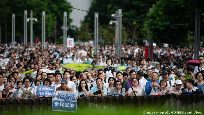 Pro-China Demonstrationen in Hongkong (Imago Images/ZUMAPRESS.com/I. Abreu)