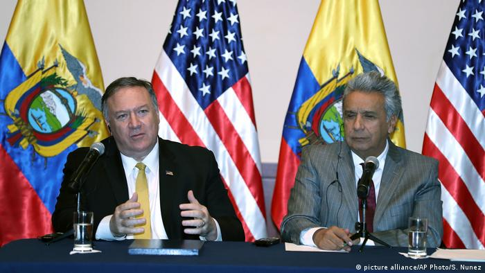 United States Secretary of State Mike Pompeo and Ecuador's President Lenin Moreno (picture alliance/AP Photo/S. Nunez)
