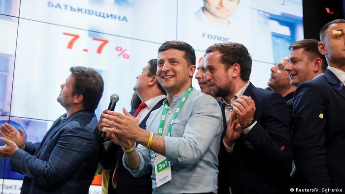 Володимир Зеленський під час оголошення результатів екзитполів