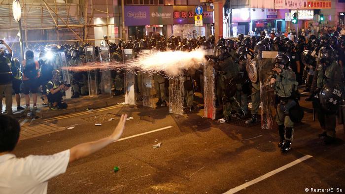 Hongkong Auschreitungen bei Protesten (Reuters/E. Su)