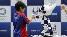 Japan Olympia 2020 | Roboterversion des Maskottchens «Miraitowa» (picture-alliance/dpa/Jae C. Hong)