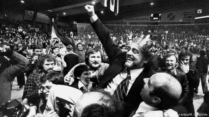 Kopenhagen, 5.2.1978. - Vlado Stenzel s pozlaćenom krunom prvaka svijeta...