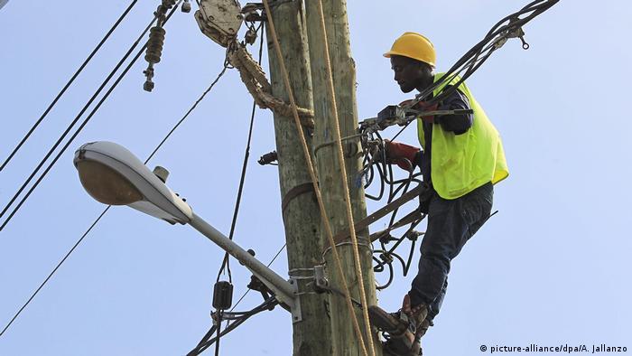 Stromleitungen in Liberia