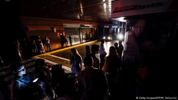 Venezuela | Blackout | Stromausfall (Getty Images/AFP/M. Delacroix)