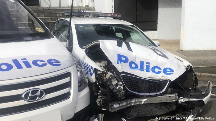 Australien Sydney | Mit Drogen beladenes Fahrzeug rammt Polizeiauto