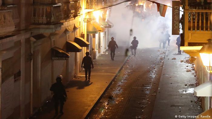 Gases lacrimógenos en el Viejo San Juan.