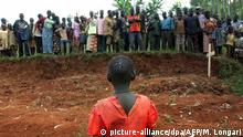 Massaker an Zivilisten im Kongo - Massengrab (2003)