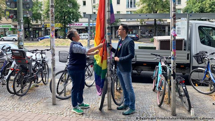 Germany| Berlin Pride Week | Berlin's district mayor hoists the rainbow flag in Friedrichshain