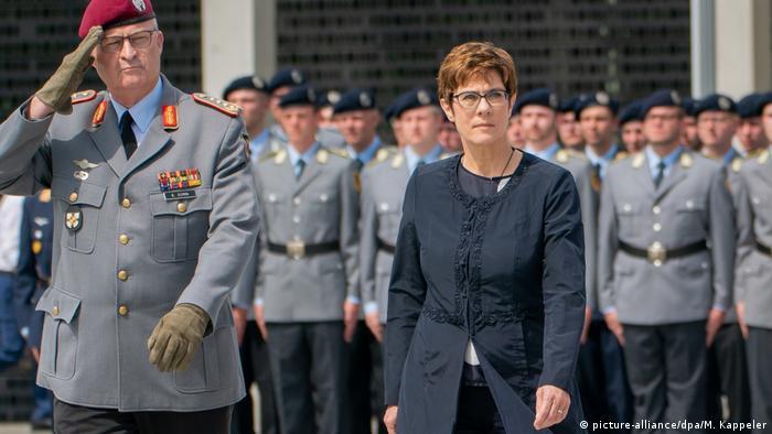 Annegret Kramp-Karrenbauer, ministra alemana de Defensa.
