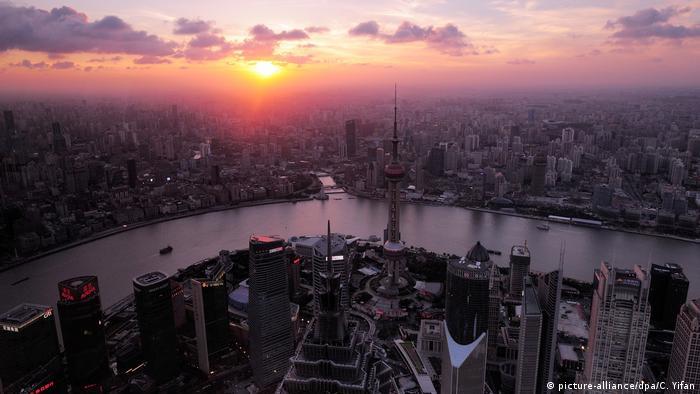 IMF warns of trade tensions in global outlook downgrade