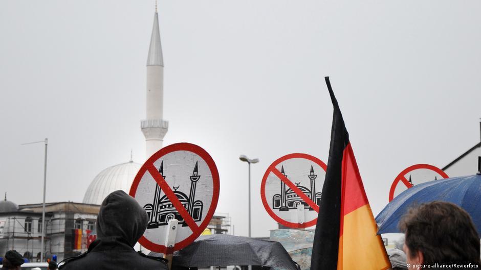 Almanya'da camilere bomba ihbarı ve cemevine saldırı endişe yarattı