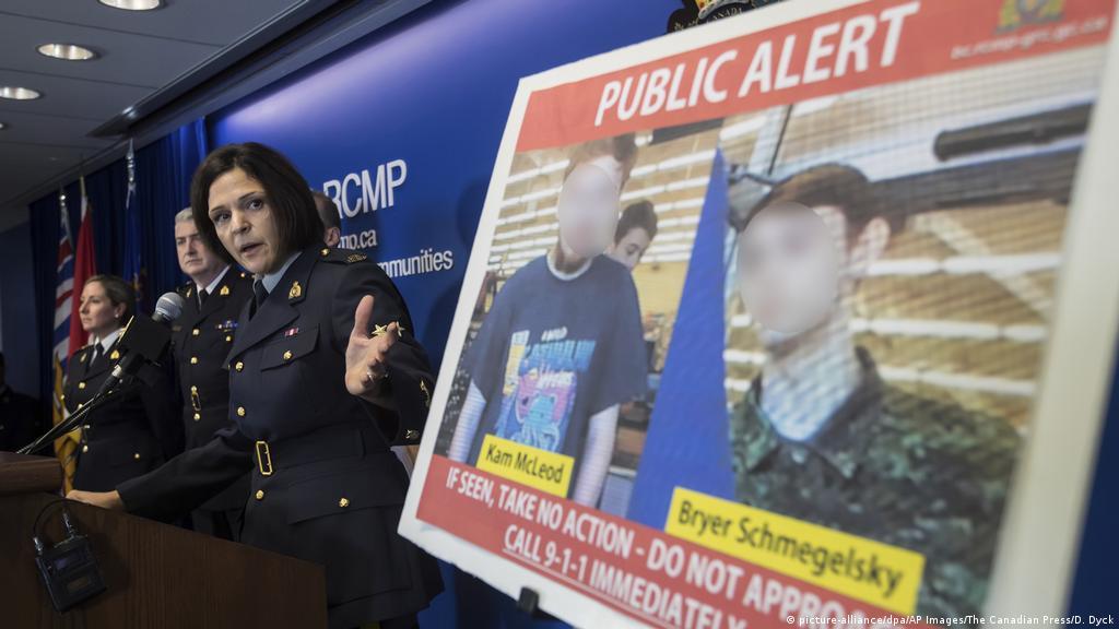 Canada manhunt: Police seek teens over couple′s killing