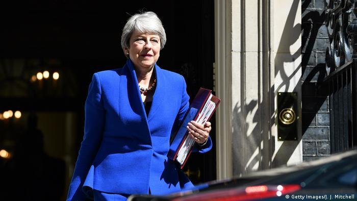 Großbritannien London   Theresa May verlässt Downing Street zum letzten mal als Premierministerin