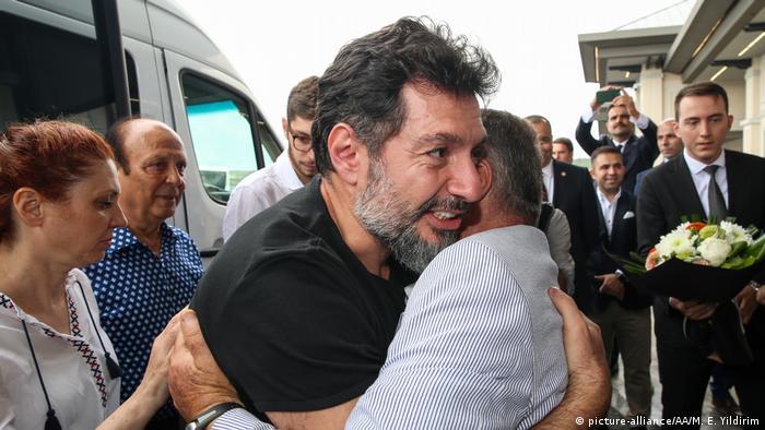 Hakan Atilla İstanbul Havalimanı'na geldi