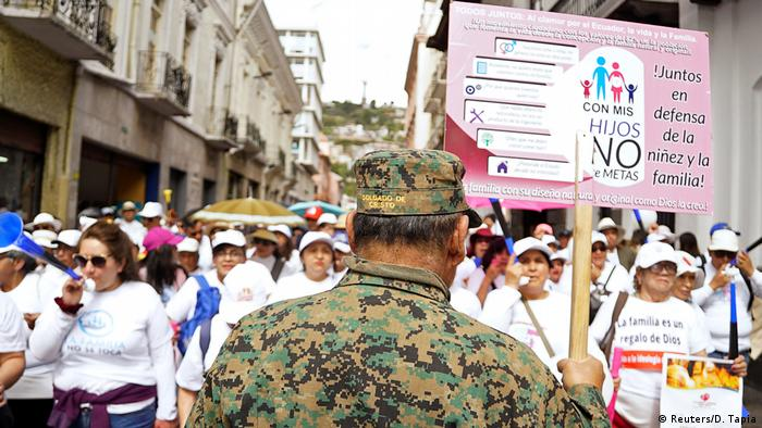 Ecuador Proteste gegen LGBTQ-Rechte und Abtrebungsgesetz in Quito