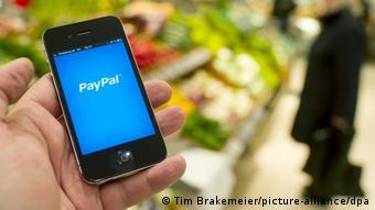 Κινητό με την εφαρμογή PayPal