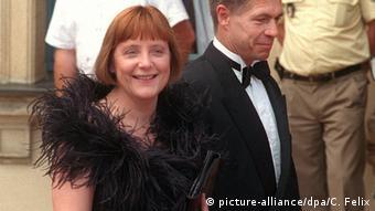 Στιγμιότυπο από την επίσκεψη της Άνγκελα Μέρκελ στο Φεστιβάλ Βάγκνερ το 2001, μαζί με τον σύζυγό της Γιόαχιμ Ζάουερ