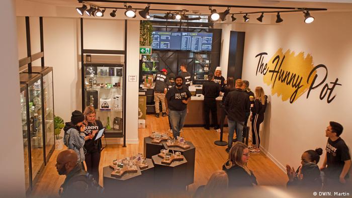 Kanada, Cannabis-Geschäft in Toronto (DW/N. Martin)