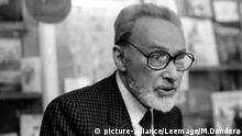 Portrait de l'écrivain italien Primo Levi (1919 - 1987) en 1985. | Keine Weitergabe an Wiederverkäufer.