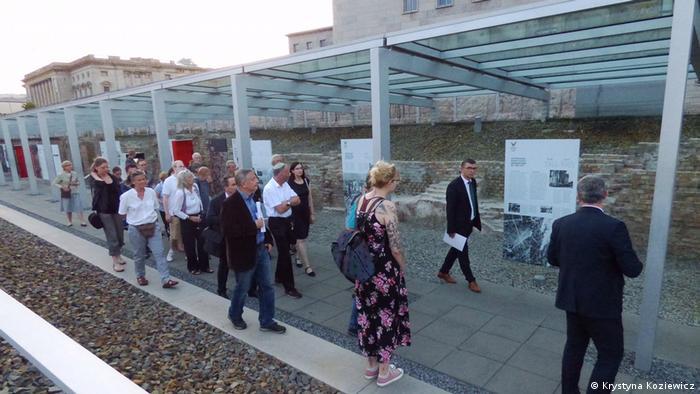 Wystawa o Powstaniu Warszawskim w dniu otwarcia