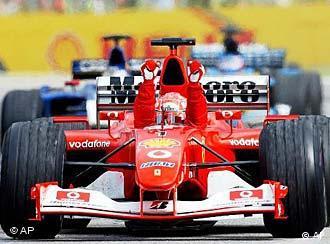 Michael Schumacher e a Ferrari sobressaíram-se no campeonato de automobilismo