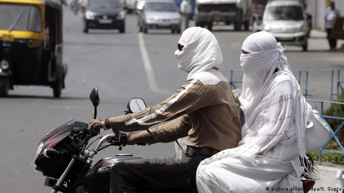 Cloths as sun protection in India
