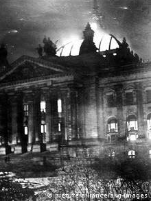 27 Φεβρουαρίου 1933: Το Ράισχταγκ στις φλόγες, ένα μήνα μετά την άνοδο των Ναζί στην εξουσία