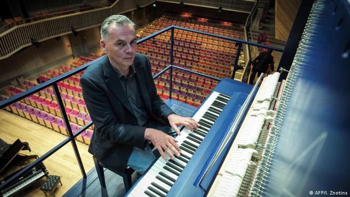 Lettland David Klavins M470i Klavier