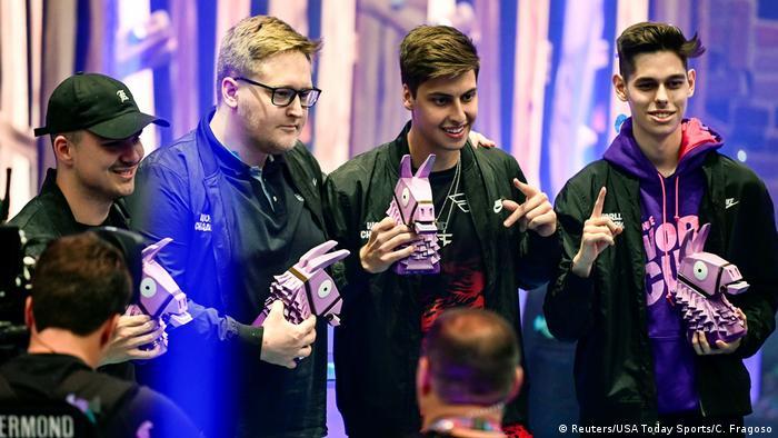 Resultado de imagen para Solo tienen 16 años, ganan el Mundial de Fortnite y son millonarios