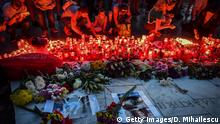 27.07.2019 People light candles at a makeshift memorial site in front of the Romanian Ministry of Interior in Bucharest July 27, 2019 to commemorate Alexandra, the 15-year-old girl who has being murdered after she telephoned three times to report her own kidnapping. - The chief of police has been sacked in Romania after the murder of a 15-year-old girl who telephoned three times to report her own kidnapping. (Photo by Daniel MIHAILESCU / AFP) (Photo credit should read DANIEL MIHAILESCU/AFP/Getty Images)