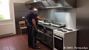 Спільну кухню щодня прибирає окремий персонал