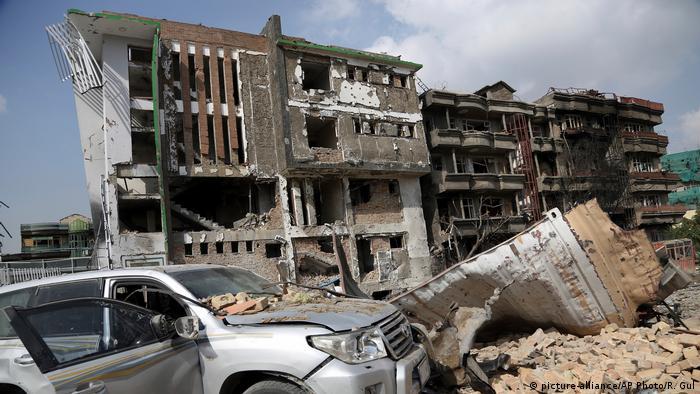 Afghanistan Anschlag auf Gästehaus von Amrullah Saleh in Kabul (picture-alliance/AP Photo/R. Gul)
