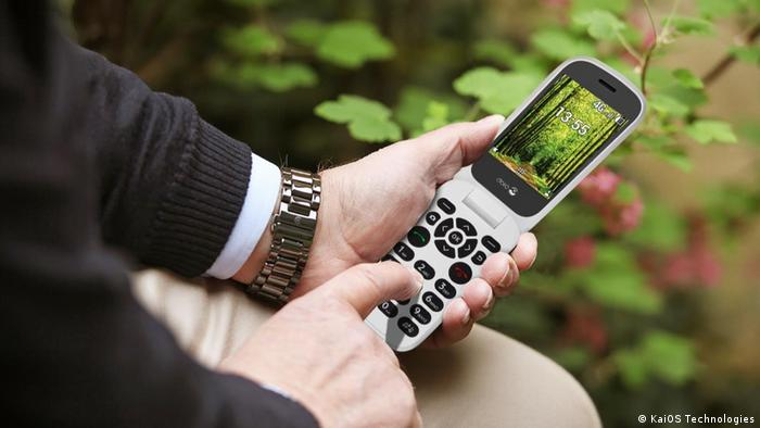 A Doro smart feature phone powered by KaiOS