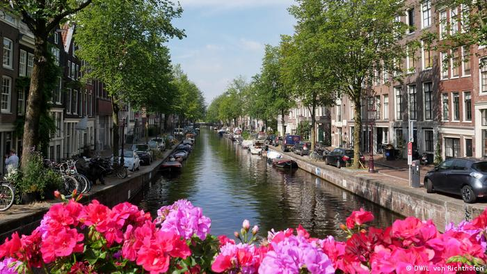 A typical Amsterdam scene of a canal.