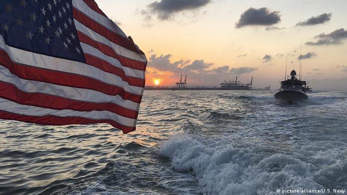 Equipados: barcos de la Marina de EE. UU. en el Golfo Pérsico.