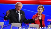 30.7.2019, Detroit, USA, Vermont Sen. Bernie Sanders and Massachusetts Sen. Elizabeth Warren participate in the first day of the CNN Democratic Presidential Debate at the Fox Theater in Detroit on Tuesday, July 30, 2019. Photo by Edward M. PioRoda/CNN/UPI Photo via Newscom picture alliance |
