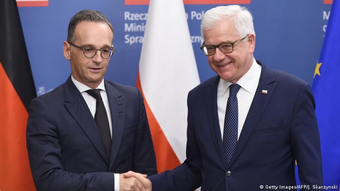Ministro alemão do Exterior, Heiko Maas (esq.), e homólogo polonês, Jacek Czaputowicz