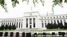 (190606) -- WASHINGTON D.C., June 6, 2019 (Xinhua) -- Photo taken on June 5, 2019 shows the U.S. Federal Reserve building in Washington D.C., the United States. The U.S. central bank released its latest beige book on Wednesday, saying the U.S. economy expanded at a modest pace overall from April to mid-May. The beige book is a periodic economic snapshot that contains economic reports from 12 Federal Reserve districts. The newly released one was based on anecdotal information collected through May 24. (Xinhua/Liu Jie) | Keine Weitergabe an Wiederverkäufer.