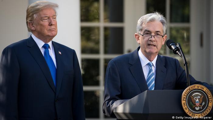 USA Jerome Powell Notenbankchef mit Trump vor dem Weißen Haus