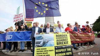 UK Ärger auf Nordirland-Reise von Premier Johnson (AFP/P. Faith)