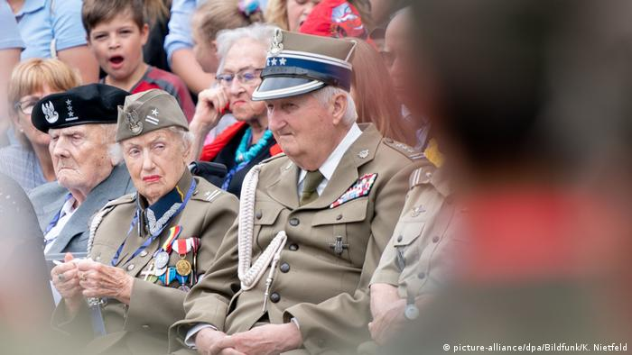 A Polish veteran attends the 75th anniversary of the Warsaw Uprising (picture-alliance/dpa/Bildfunk/K. Nietfeld)