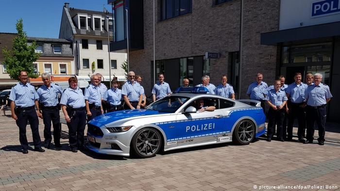 Немецкого полицейского провожают на пенсию